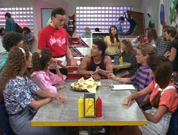 Saved By The Bell - Pop Up Parody Bar & Diner! 6/1/2016 8:00:00 PM