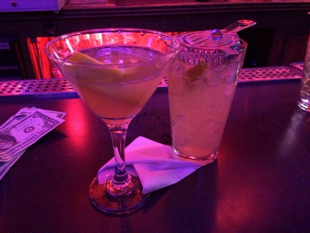 Blondie's Bar thumb
